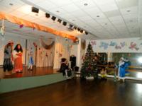 Новогодняя елка в начальной школе «Приключение желтой собачки»